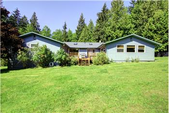 7230 Happy Hollow Rd, Stanwood, WA