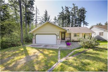 1583 Mark St, Oak Harbor, WA