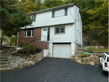 438 Macopin Rd, West Milford, NJ