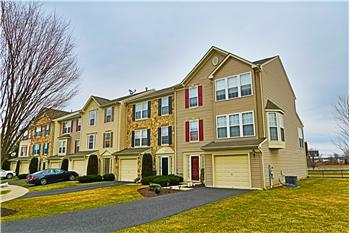 4038 Clubhouse Ct, Center Valley, PA