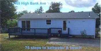 105 Highbank Av, North Kingstown, RI