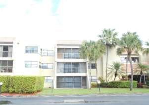 220 Lakeview Dr 306, Weston, FL