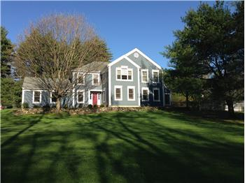 28 Lyndenwood Drive, Brookfield, CT