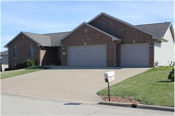 3256 Brook Hollow Dr, Asbury, IA