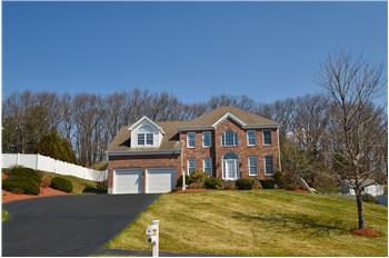 23 Red Gate Lane, Franklin, MA